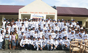 Brigada Eskwela 2009 volunteers from Shell companies in the Philippines