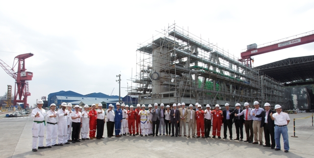 Senior Shell leaders joined by joint venture partners and the Keppel Subic management team welcome the European Union Delegation to the Philippines at the Keppel Subic Shipyard.