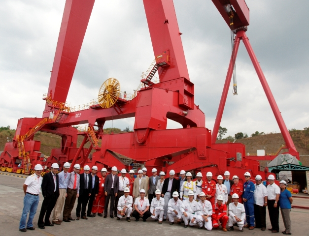 European Union Delegation joined by senior Shell leaders, its joint venture partners and the Keppel Subic management team take their picture in front the largest gantry crane in Southeast Asia.
