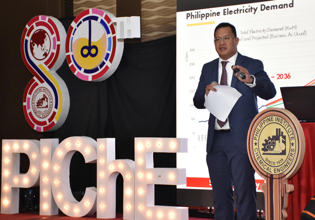 SPEX GM Don Paulino delivers an insightful session at the 80th PIChE convention in Ortigas